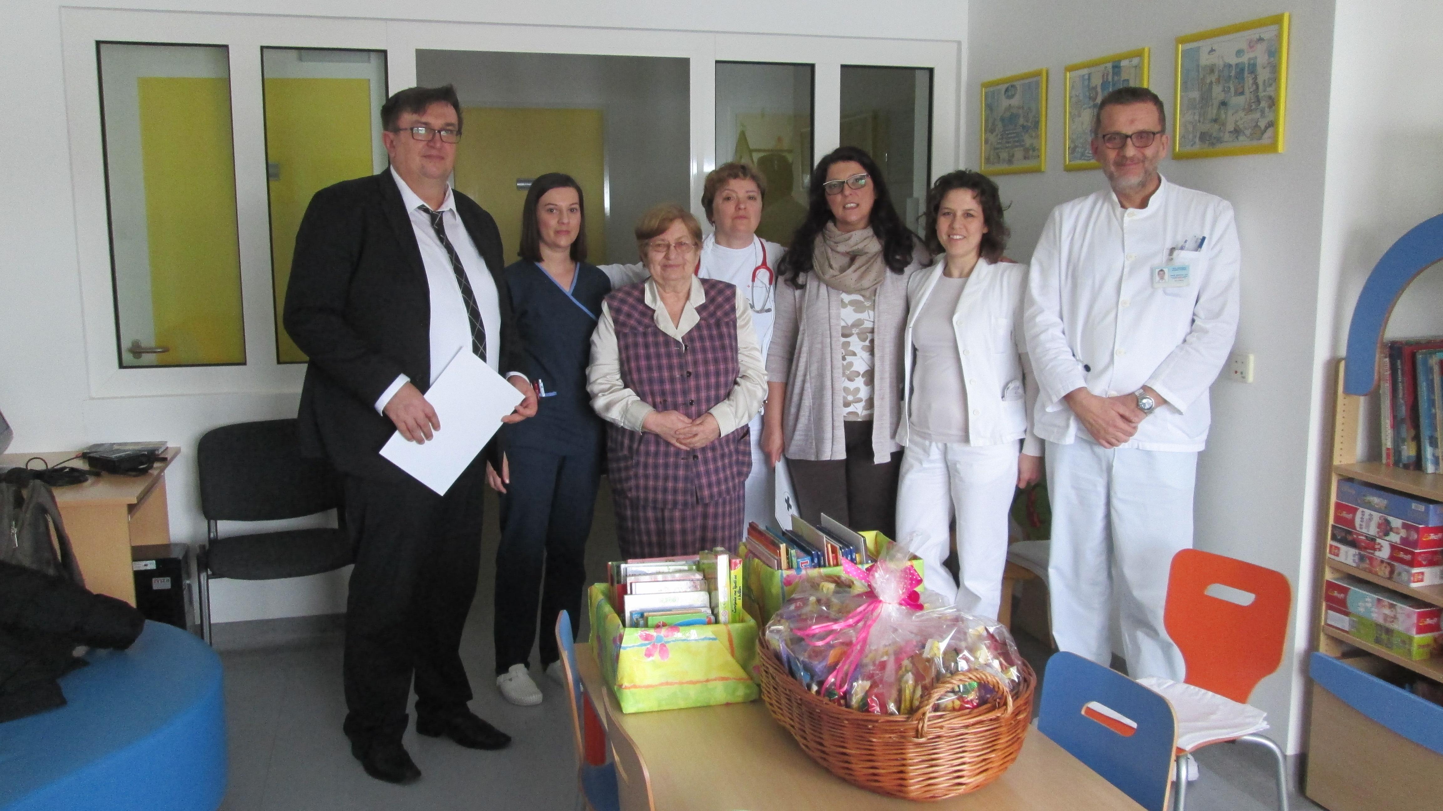 Darivanje slikovnica OŽB Vukovar